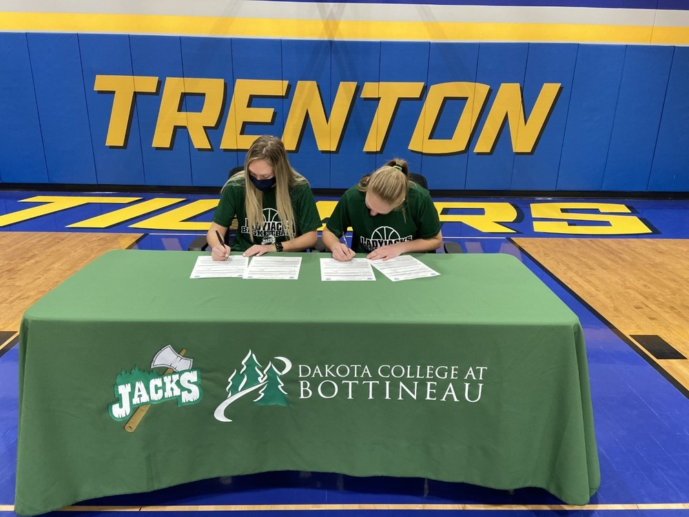 St. Pierre Twins Sign to Dakota College